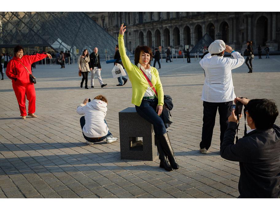 Paris Pose